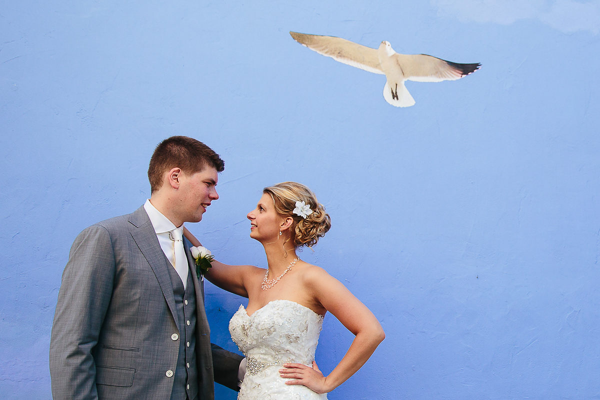BRIDE AND GROOM WITH SEAGULL MURAL COSTA BLANCA CALPE SPAIN