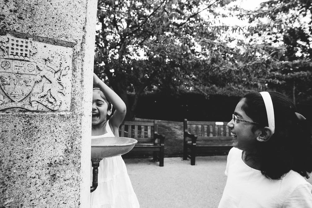 FAMILY AND CHILDRENS PHOTOGRAPHER ST JOHNS WOOD LONDON, WATER FOUNTAIN