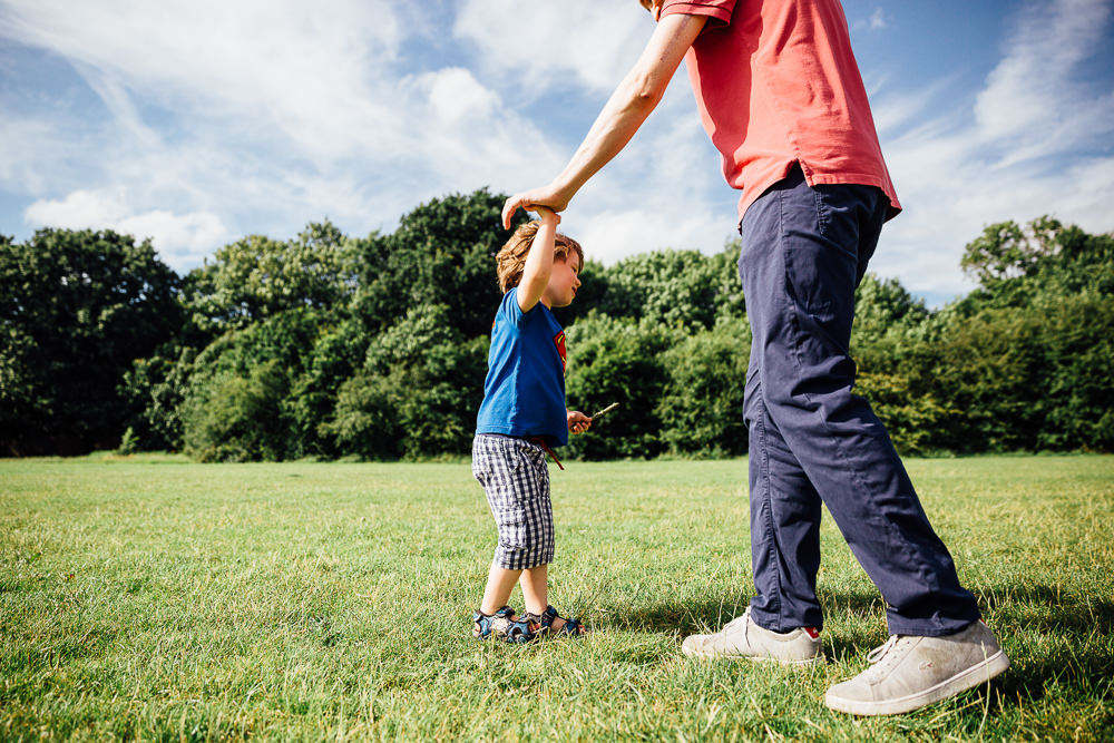 BALHAM LONDON FAMILY PHOTOGRAPHY - FATHER AND SON PORTRAIT IN THE PARK