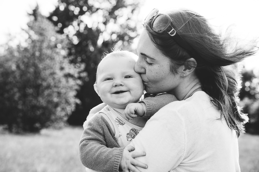 BALHAM LONDON FAMILY PHOTOGRAPHY - MOTHER AND BABY DAUGHTER BLACK AND WHITE PORTRAIT IN THE PARK