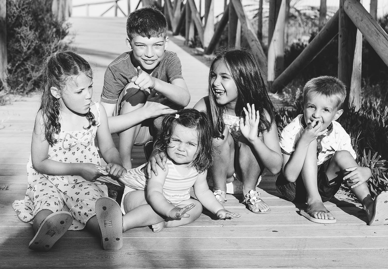 NATURAL BLACK AND WHITE KIDS PORTRAIT - KENT FAMILY PHOTOGRAPHER