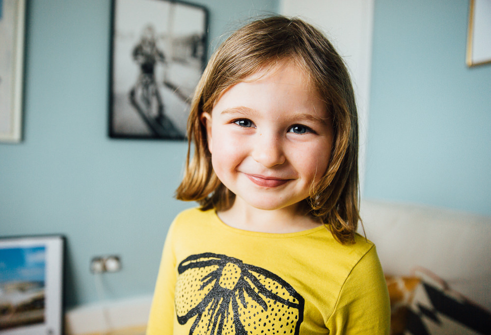 GIRL PHOTO PORTRAIT - KENT FAMILY PHOTOGRAPHER