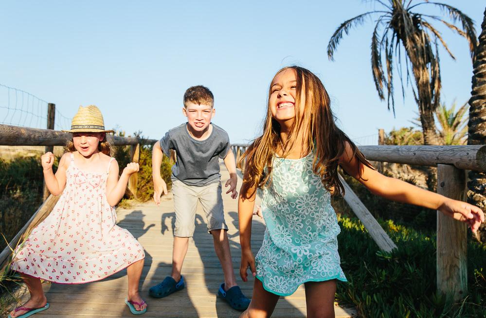ROWDY CHILDREN AT BEACH - COSTA BLANCA FAMILY PHOTOGRAPHER