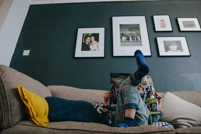 BOY READING DOCTOR WHO COMIC - KENT FAMILY PHOTOGRAPHER