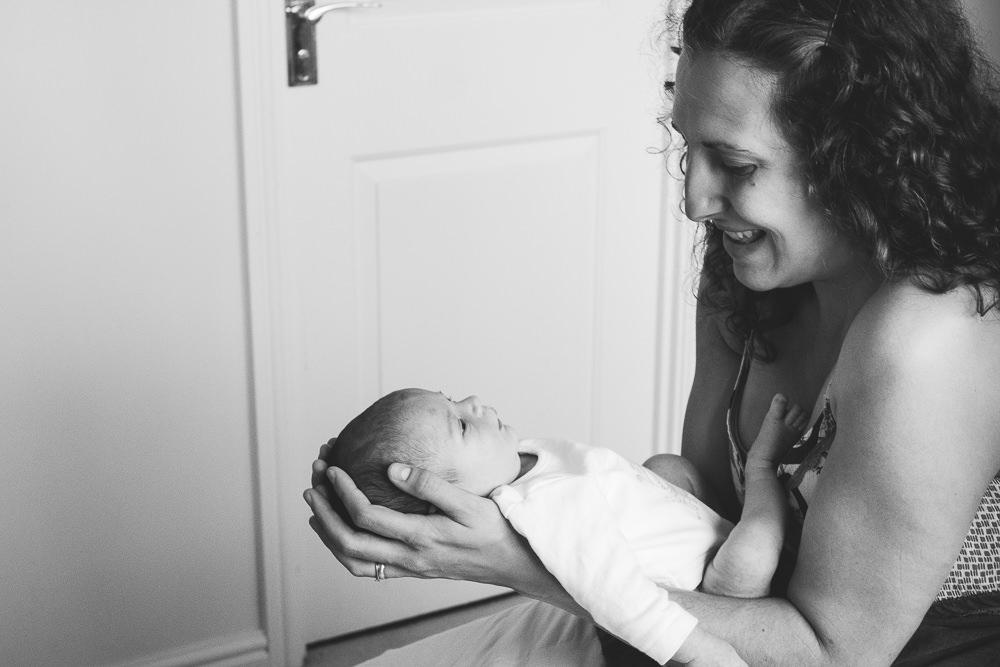 KENT NEWBORN PHOTOGRAPHER BABY AND MOTHER PORTRAIT