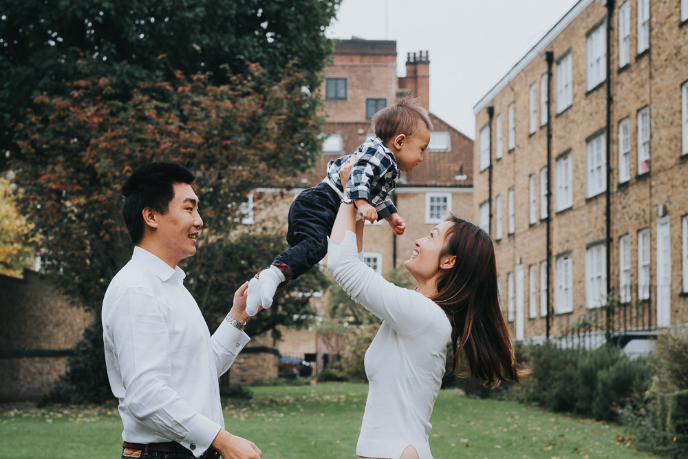 FAMILY PHOTOGRAPHER KENT AND LONDON ISLINGTON NATURAL GARDEN PHOTO