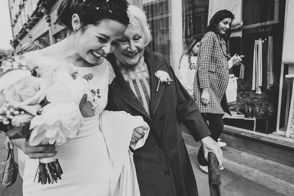 LONDON WEDDING PHOTOGRAPHER CHELSEA BLUEBIRD TOWN HALL PHOTOGRAPHY GOSSIP GUESTS