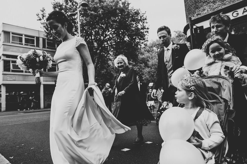 KENT PHOTOGRAPHER CHELSEA REGISTRY OFFICE WEDDING PHOTOGRAPHY LONDON CROSSING STREET