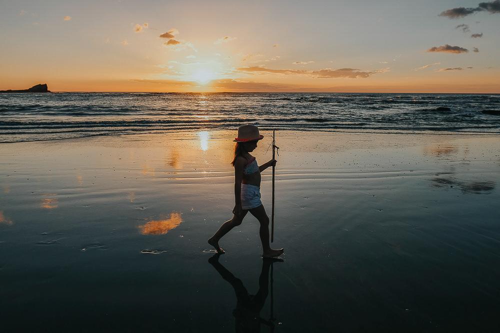 KENT PHOTOGRAPHER COSTA RICA TRAVEL PHOTOGRAPHY CHILD SUNSET BEACH PORTRAIT