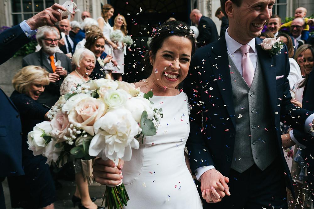 KENT PHOTOGRAPHER CHELSEA REGISTRY OFFICE WEDDING PHOTOGRAPHY LONDON CONFETTI STEPS