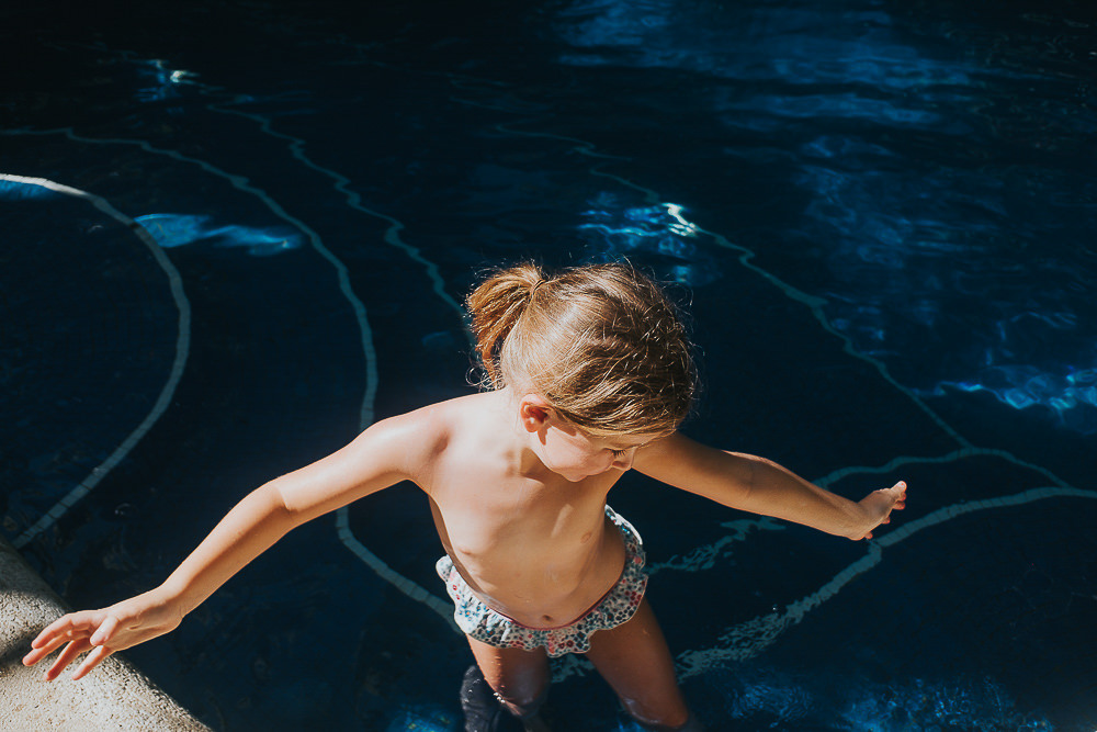 KENT PHOTOGRAPHER COSTA RICA TRAVEL PHOTOGRAPHY GIRL IN SWIMMING POOL