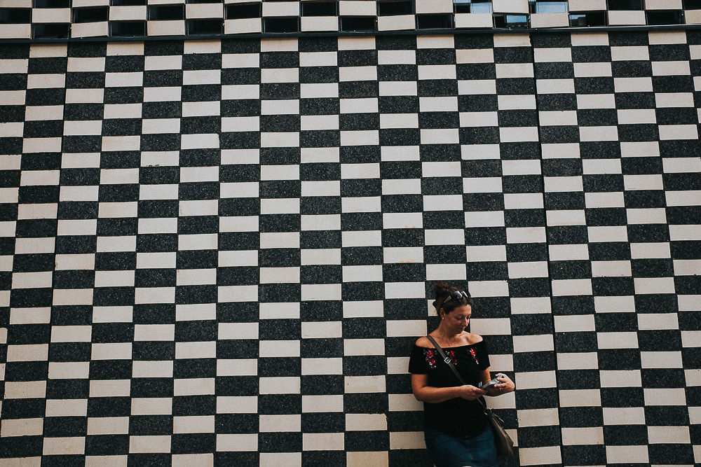 KENT PHOTOGRAPHER BARCELONA TRAVEL PHOTOGRAPHY BLACK AND WHITE GRAPHIC GRAFITTI WALL WOMAN PORTRAIT