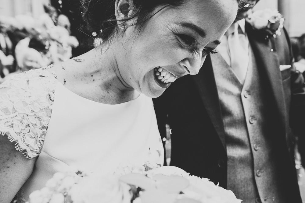 KENT PHOTOGRAPHER CHELSEA BLUEBIRD WEDDING PHOTOGRAPHY CONFETTI STEPS BLACK AND WHITE LONDON