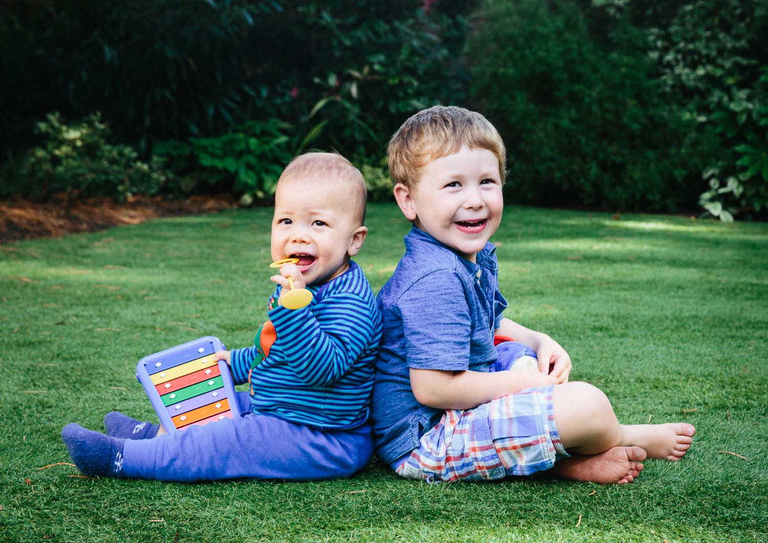 brothers baby toddler portrait garden family photography at home hadley wood londo