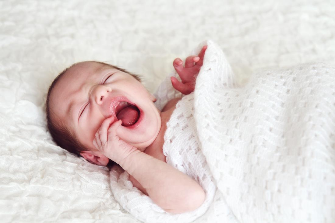 NEWBORN BABY YAWNING - KENT NEWBORN BABY PHOTOGRAPHER