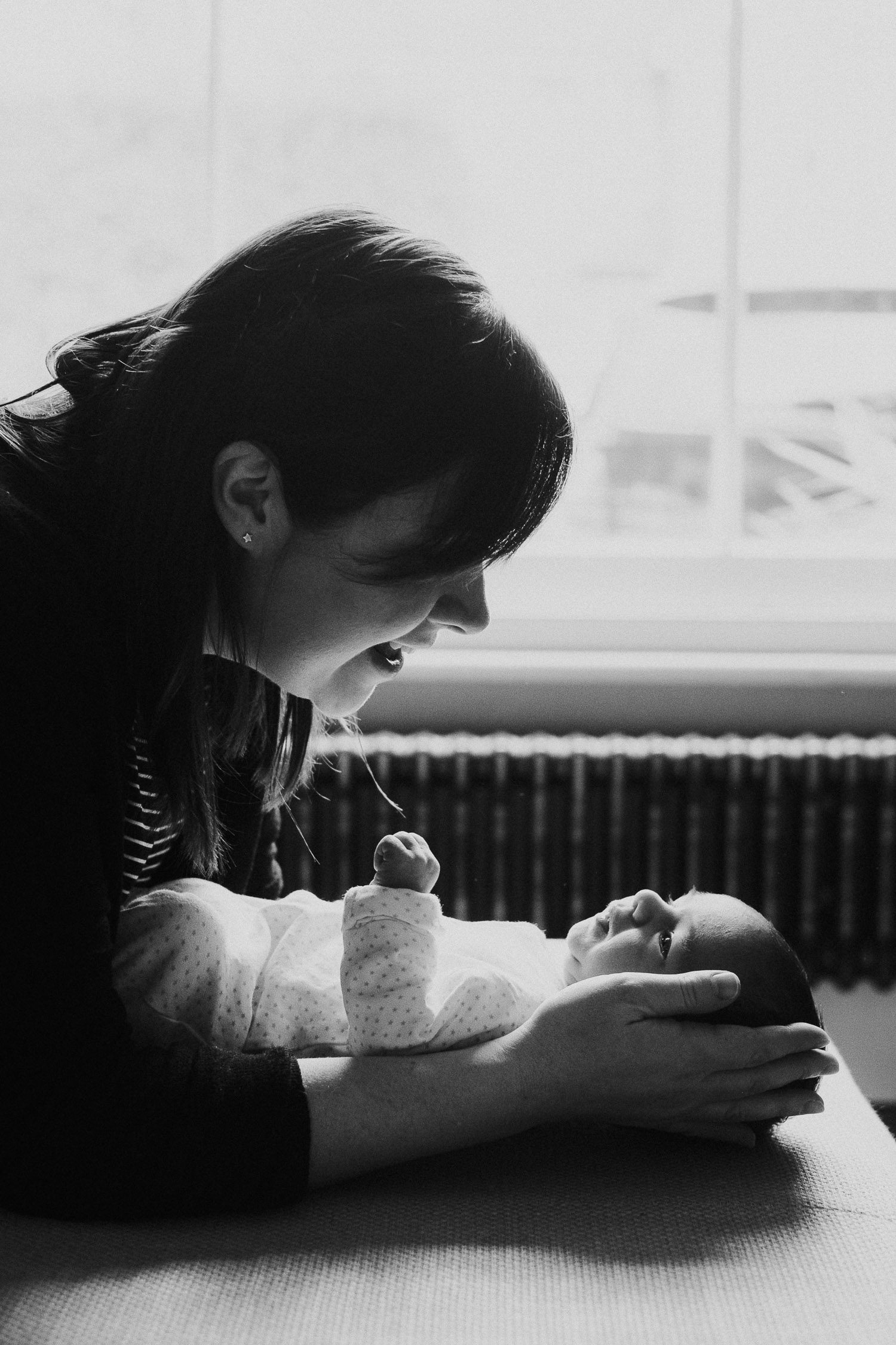 tunbridge wells baby photographer mother mum and newborn baby black and white