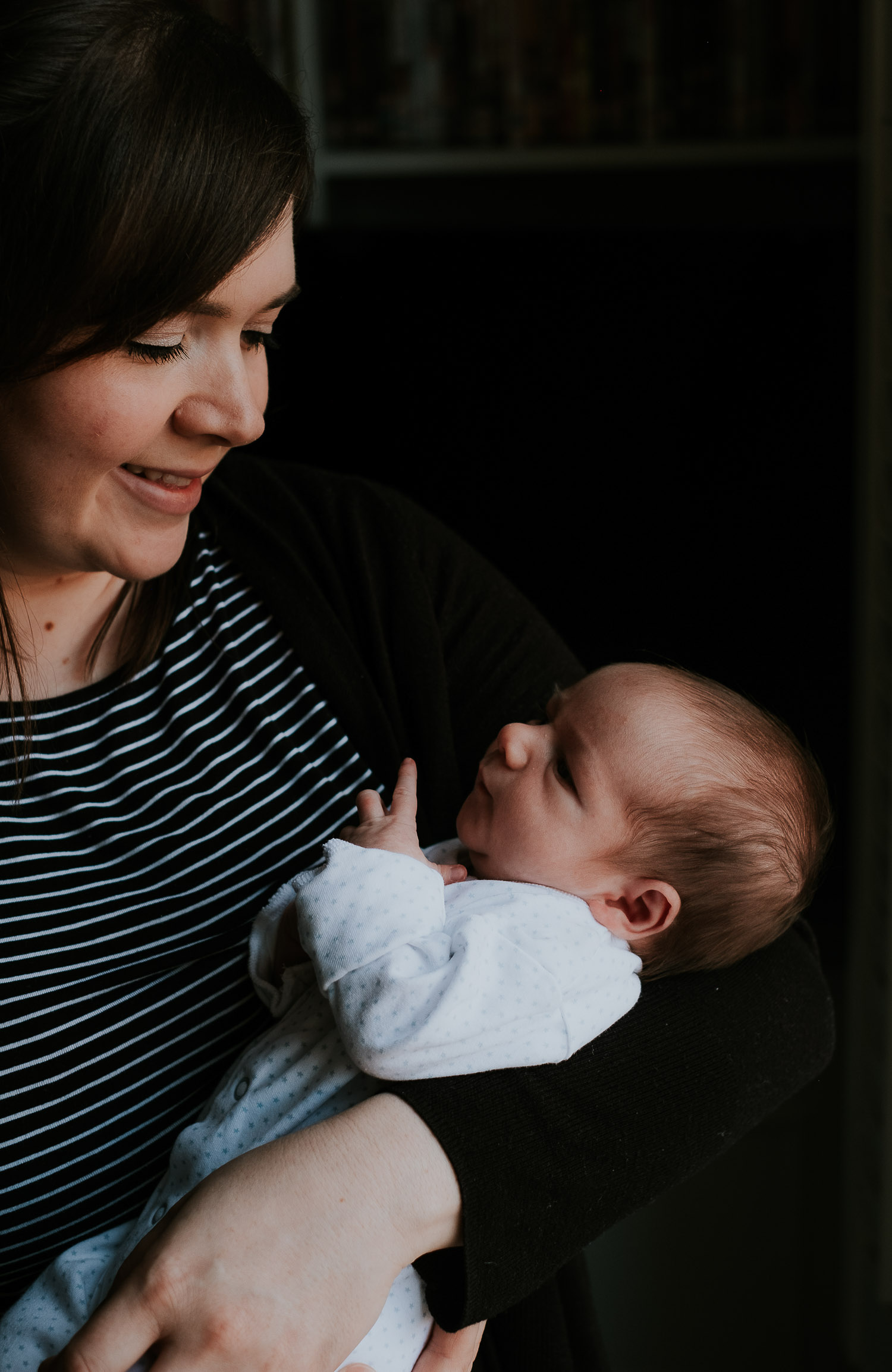 tunbridge wells baby photographer newborn simple portrait mother and newborn