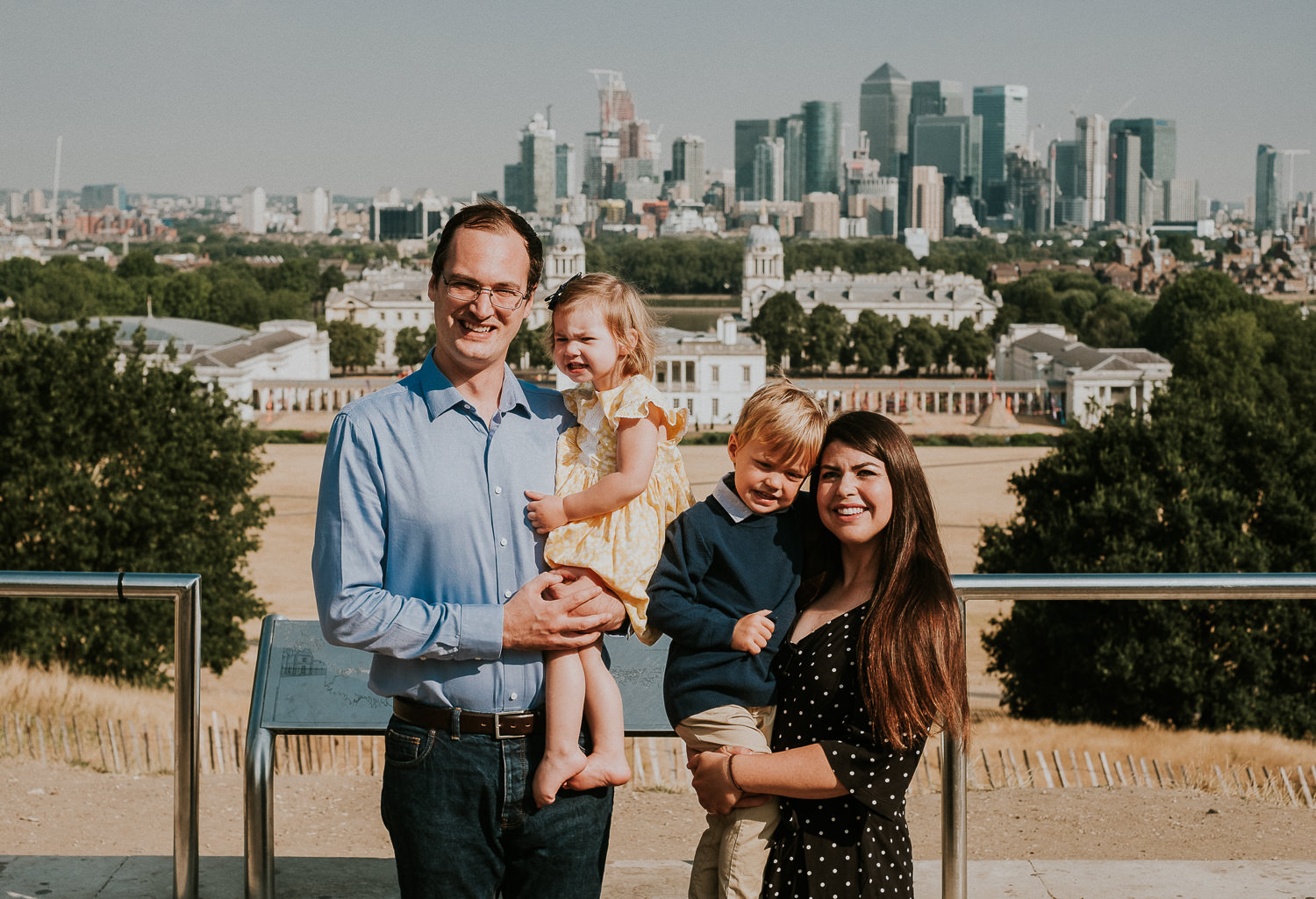 greenwich family photo shoot family portrait london skyline view