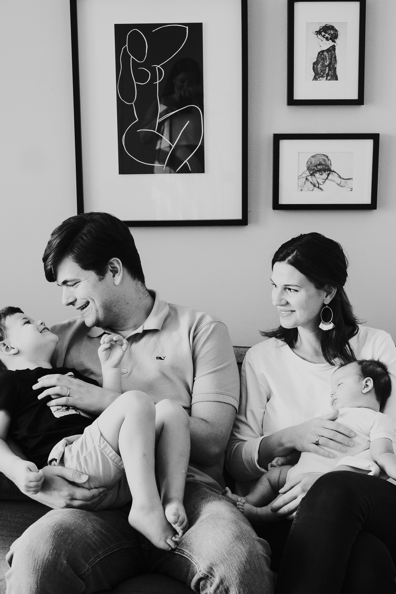 milan family photographer family portrait parents son and baby