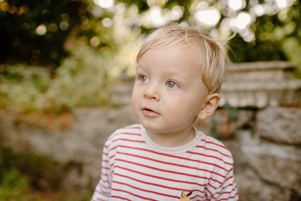 outdoor mini photo shoots in london family portrait