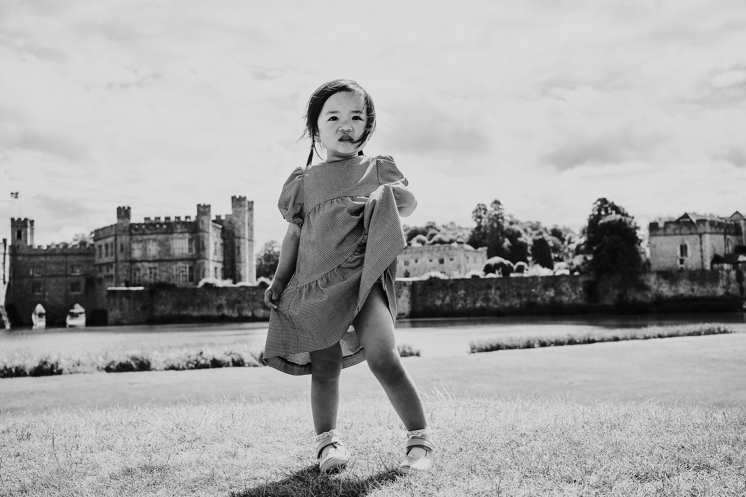sibling family photography 2020 black and white portrait young girl at Leeds Castle