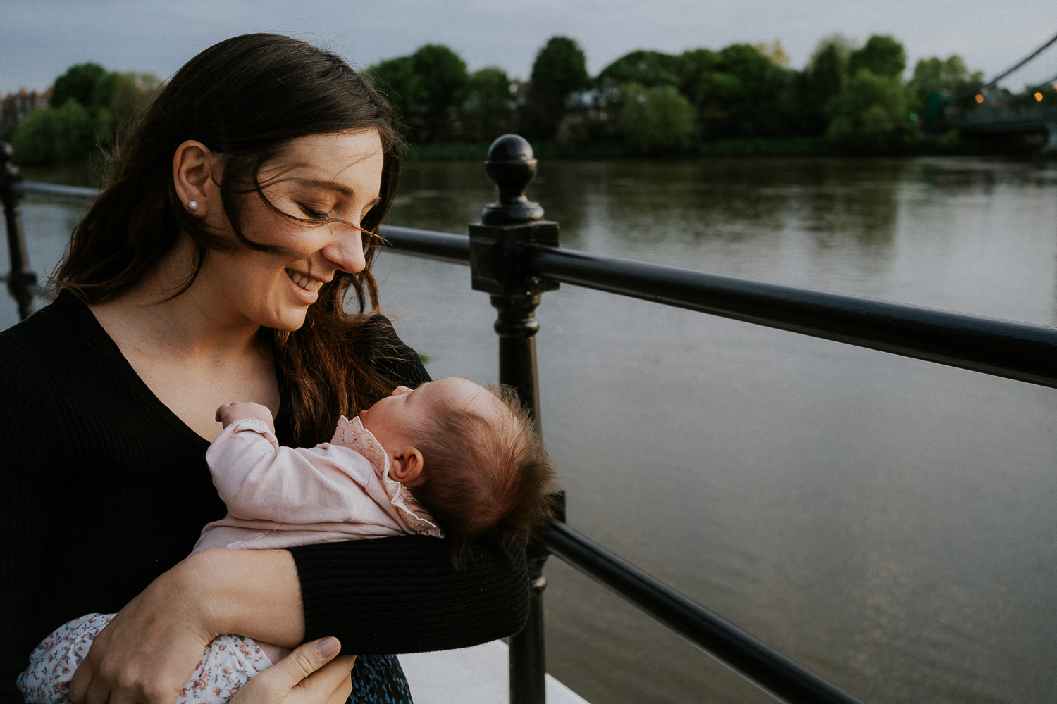 London family photography 2020 mother and baby daughter outdoors