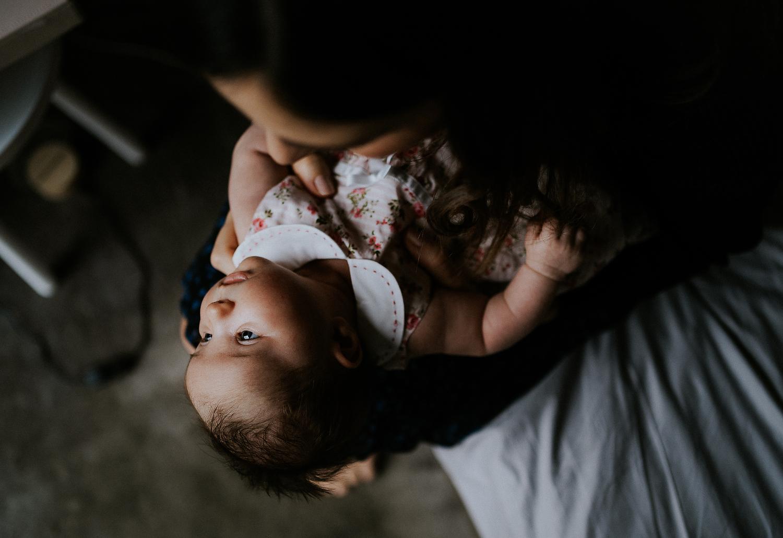 mum and baby newborn photography in hammersmith